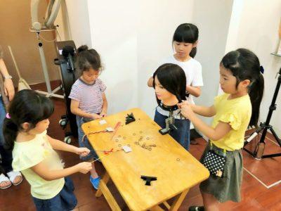 美容師体験 三つ編みと編み込み練習