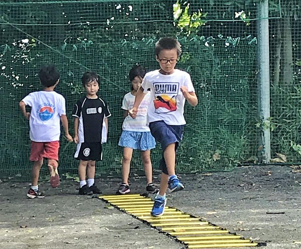 かけっこ教室のラダートレーニング