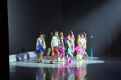 Stars Smileyファミリーおさらい会&新浦安Rainbow Smiley 10周年記念発表会 新浦安高学年&選抜クラスのジャズの様子